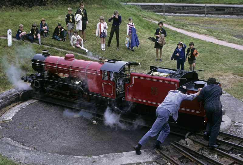 Turning River Mite at Ravenglass, 9 June 1973.  Photo by Les Tindall.