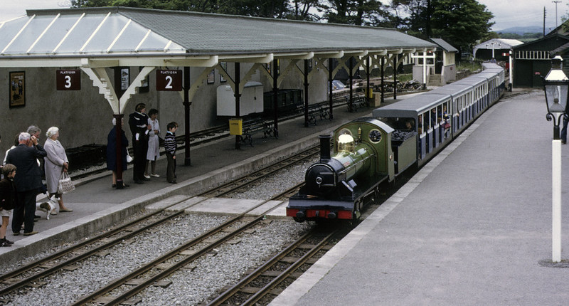 River Irt arriving at Ravenglass, 9 June 1973.  NB that there is still no roof canopy on platform 1.  Photo by Les Tindall.