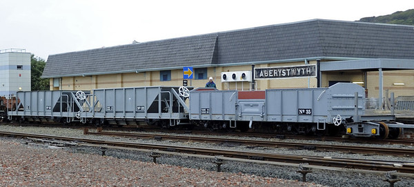 Wagons, Wed 24 August 2011 2.  In sharp contrast to the four planks, here are modern wagons (33, 32 & 35) from South Africa.