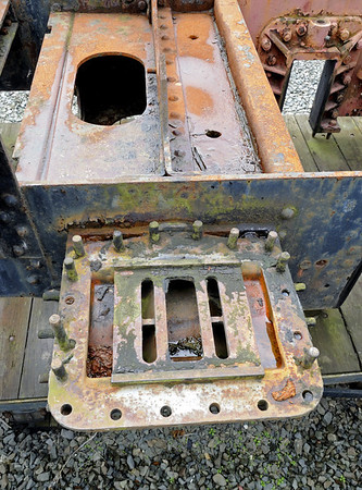 No 7 Owain Glyndwr, Aberystwyth, Wed 24 August 2011 3.  Looking into the steam chest.