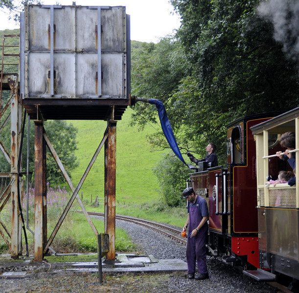 No 9 Prince of Wales, taking water at Nantyronen, Wed 24 August 2011 - 1107.