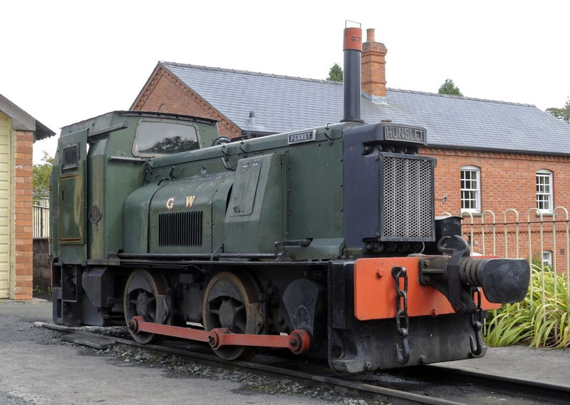 Ferret [Yard No 86], Llanfair Caereinion, Fri 26 August 2011.  Hunslet 0-4-0DM 2251 / 1940 built for the Admiralty.  The GWR livery is not authentic!