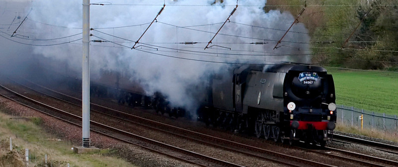 34067 Tangmere, 1Z23, Winwick, 8 April 2009 - 1706 1    Deputising for 6201 Princess Elizabeth, Tangmere clags past Winwick with the Bristol - Preston leg of the Rly Touring Co's London - Penzance - Inverness - London 'Great Britain II.'