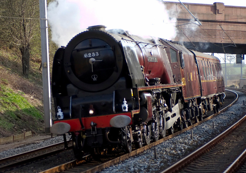 6233 Duchess of Sutherland, 5Z32, Hest Bank, 6 April 2007 - 1758.  Good Friday, and 6233 leans to the Hest Bank curve on a Butterley - Carnforth positioning move prior to working the Railway Touring Co's round Britain 'Great Britain' tour from Preston to Glasgow on 9 April.