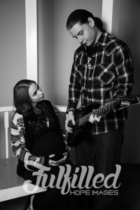 Brittany and Adam Maternity Shoot 2017 (31)