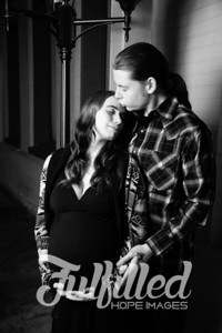 Brittany and Adam Maternity Shoot 2017 (8)