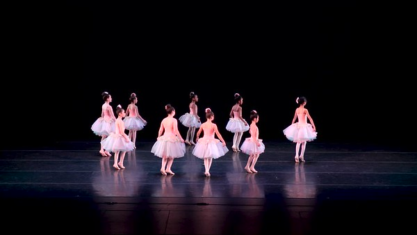 2-8-Ballet Int 7-9yr SAT 11am W65-Once Upon A December