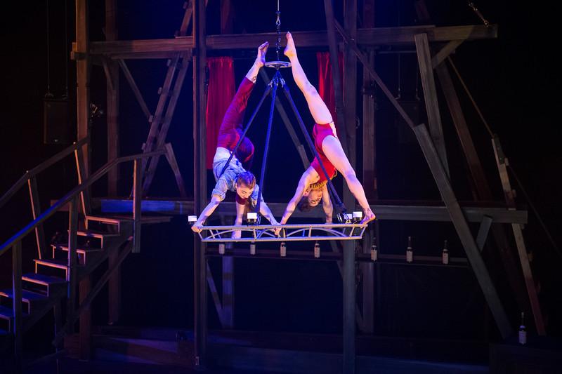 Cirque Eloize: Saloon