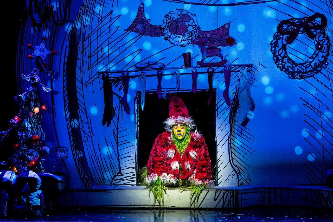 Dr Seuss' How the Grinch Stole Christmas! The Musical