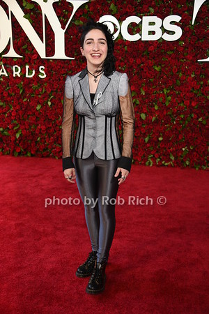 Emily Estefan photo by Rob Rich/SocietyAllure.com © 2016 robwayne1@aol.com 516-676-3939