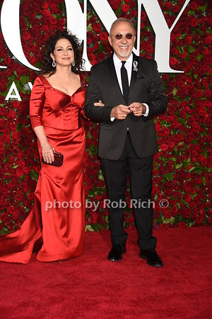 Gloria Estefan, Emilio Estefan photo by Rob Rich/SocietyAllure.com © 2016 robwayne1@aol.com 516-676-3939