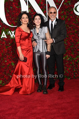Gloria Estefan, Emily Estefan, Emilio Estefan photo by Rob Rich/SocietyAllure.com © 2016 robwayne1@aol.com 516-676-3939