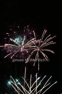 Fireworks photos by Rob Rich/SocietyAllure.com © 2015 robwayne1@aol.com 516-676-3939