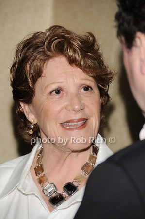 Linda Lavin<br /> all photos by Rob Rich © 2010 robwayne1@aol.com 516-676-3939