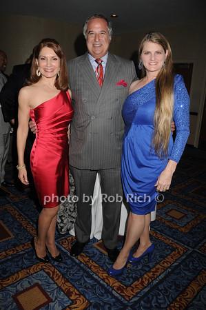 Jeanne Shafiroff,  Stewart Lane, Bonnie Comley<br /> photo by Rob Rich © 2010 robwayne1@aol.com 516-676-3939