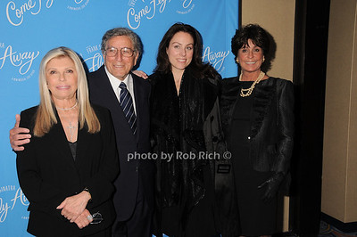 Nancy Sinatra, Tony Bennett, Antonia Bennett, Tina Sinatra   photo by Rob Rich © 2010 robwayne1@aol.com 516-676-3939