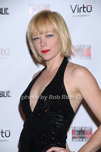 Emily Bergl photo by Rob Rich © 2010 robwayne1@aol.com 516-676-3939