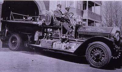 ENGINE 3 1918 SEAGRAVE