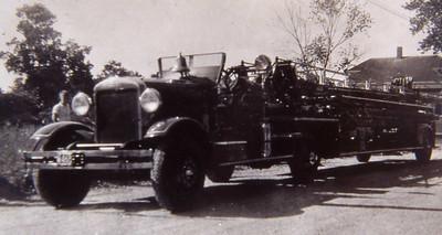 LADDER 1 1932 AHRENS FOX 85' TT. IN SERVICE UNTIL 1965