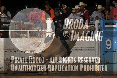 Bakersfield Perf1-122 Copyright May 2011 Phil Broda - PRCA