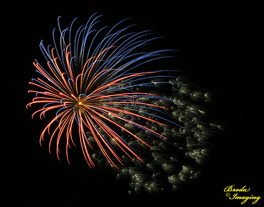 Fireworks In The Wind-119 Copyright July4'14 Broda Imaging
