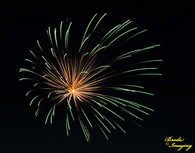 Fireworks In The Wind-34 Copyright July4'14 Broda Imaging