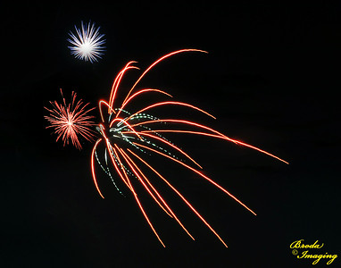 Fireworks In The Wind-28 Copyright July4'14 Broda Imaging