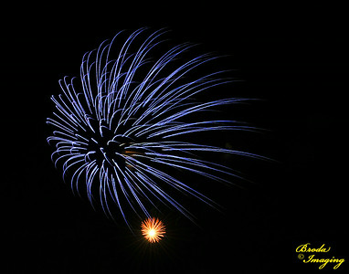 Fireworks In The Wind-118 Copyright July4'14 Broda Imaging