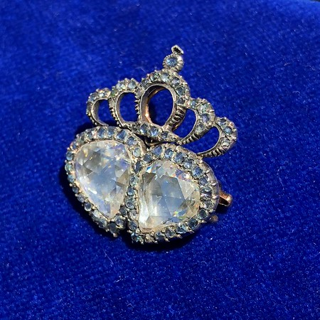 3.25ctw Victorian Crowned Double Heart Brooch