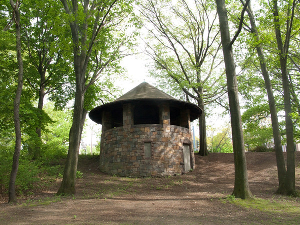May 9, 2009. What is this cute little stone house on the Jamaica Way side of the Muddy River - some kind of water-works building?