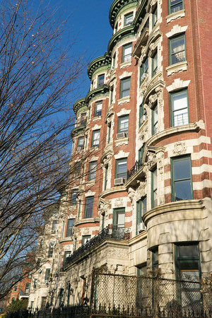 Would you look at these lovely apartments on Washington Avenue?