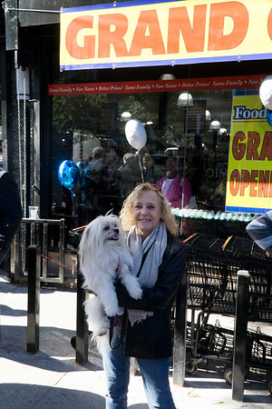 Stacey Weinstein and Little Biggie were there to say 'welcome' to the new Foodtown.