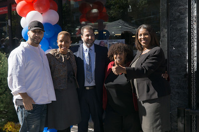 A big 'thumbs up; from NYC Public Advocate Tish James, posing with Foodtown management and Council Member Laurie Cumbo.