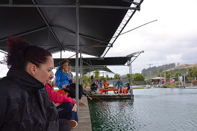 Debbie Chloe Emma Meg Jan Taupo Prawn Park January 2014