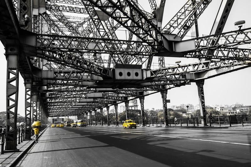 ~~ With Primary color of Kolkata: Yellow ~~<br /> Location: Howrah Bridge, Kolkata, India