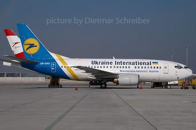 2007-03-30 UR-GAU Boeing 737-500 Ukraine International