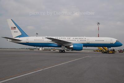 2007-05-31 88-0002 Boeing 757-200 USAF