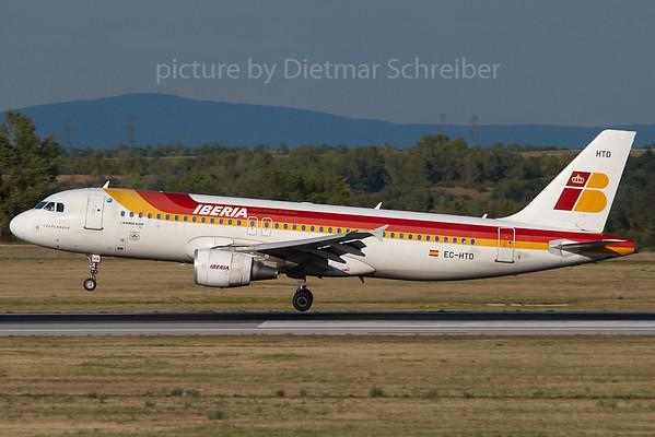 2007-07-31 EC-HTD Airbus A320 Iberia
