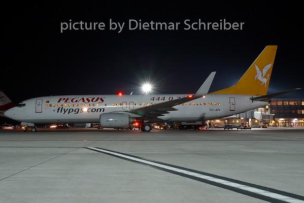 2007-08-31 TC-API Boeing 737-800 Pegasus Airlines