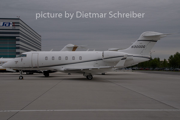 2007-08-27 N300DG BD100 Challenger 300