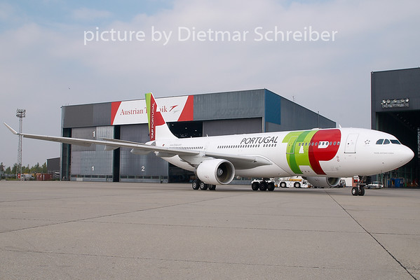 2007-09-25 CS-TOK AIrbus A330-200 TAP