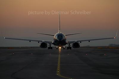 2007-11-29 OM-NGK Boeing 737-700 Skyeurope