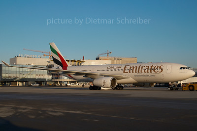 2007-11-28 A6-EAC Airbus A330-200 Emirates