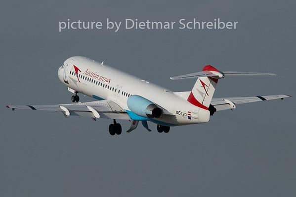 2008-02-28 OE-LVD Fokker 100 Austrian Arrows