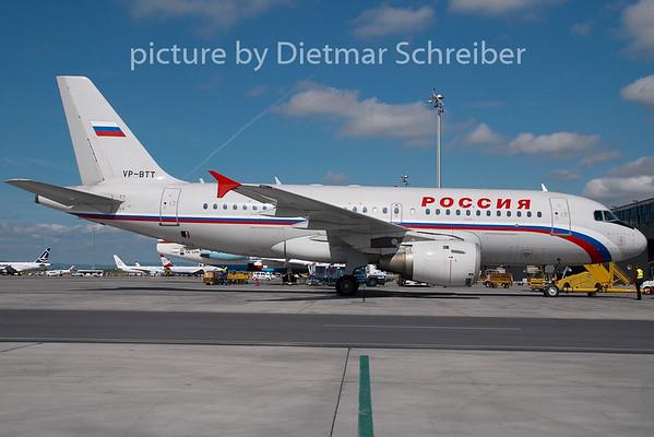 2008-04-30 VP-BTT Airbus A319 Rossiya