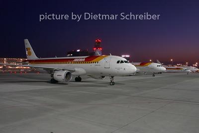 2008-06-29 EC-KOH Airbus A320 Iberia