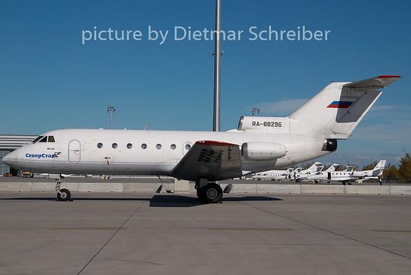 2008-10-30 RA-88296 Yakovlev 40 Severstal