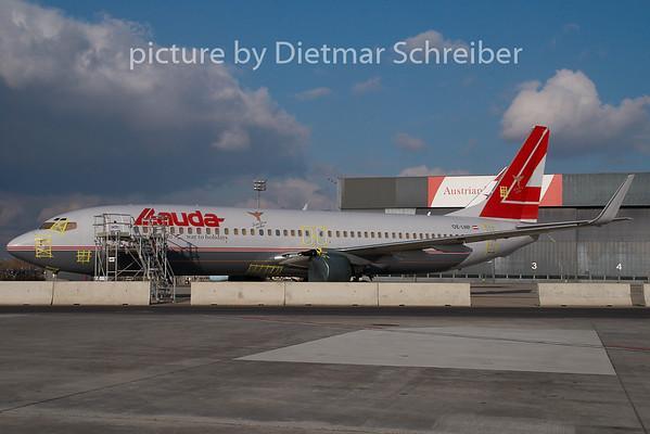 2008-11-26 OE-LNP Boeing 737-800 Lauda AIr