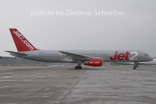 2009-01-30 G-LSAG Boeing 757-200 Jet 2