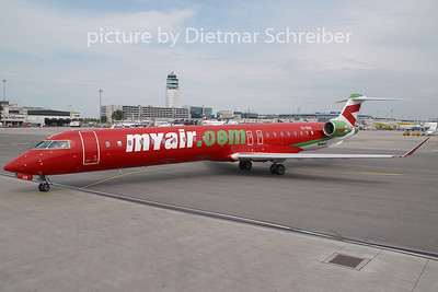 2009-06-15 EI-DUX Regionaljet 900 Myair